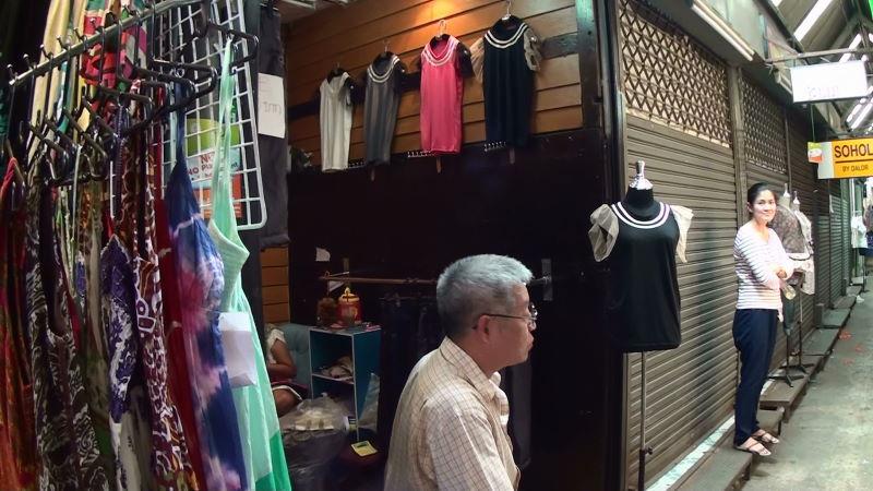 22-101-220 女性服.JPG