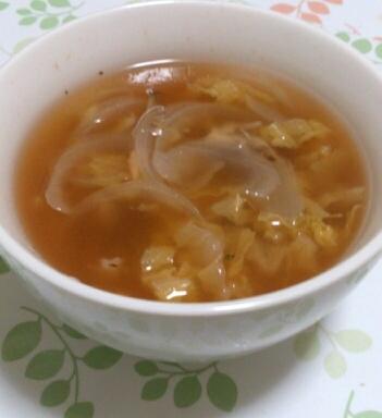 白菜・舞茸・玉ねぎのケチャップスープ