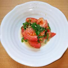 夏にピッタリトマトサラダ