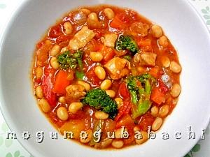 鶏肉と大豆のトマト煮込み