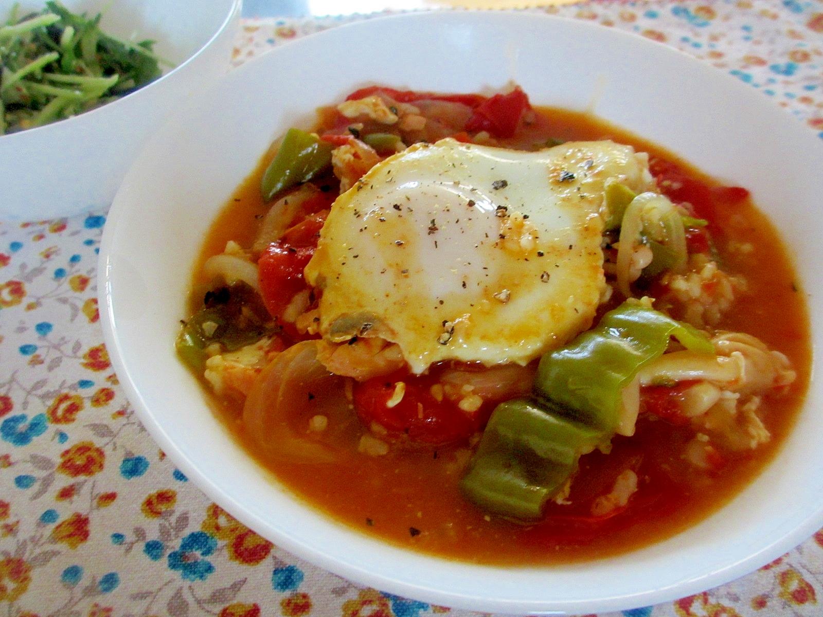 鮭とピーマンのトマトマヨスープご飯