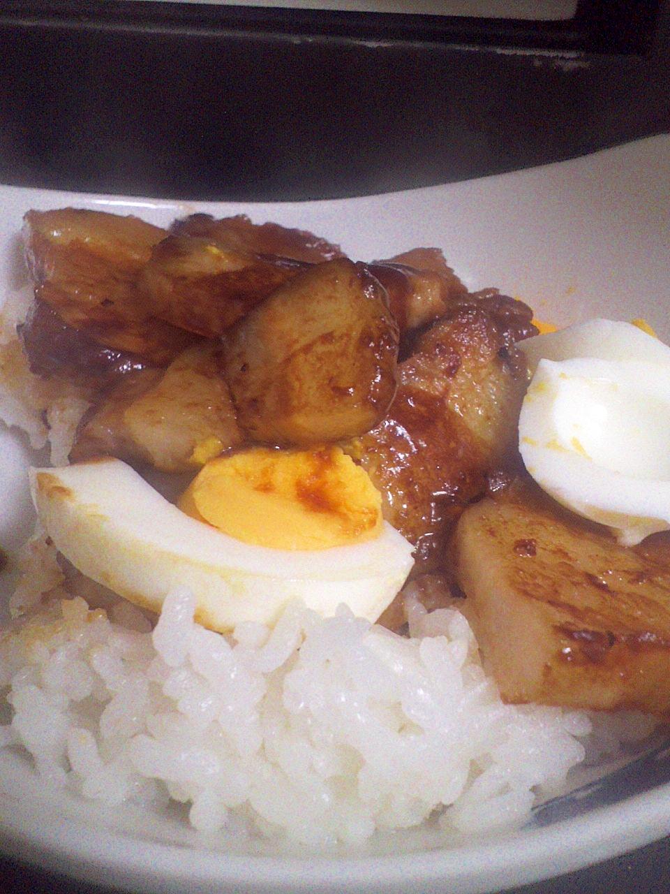 おかわり~♪豚の角煮丼