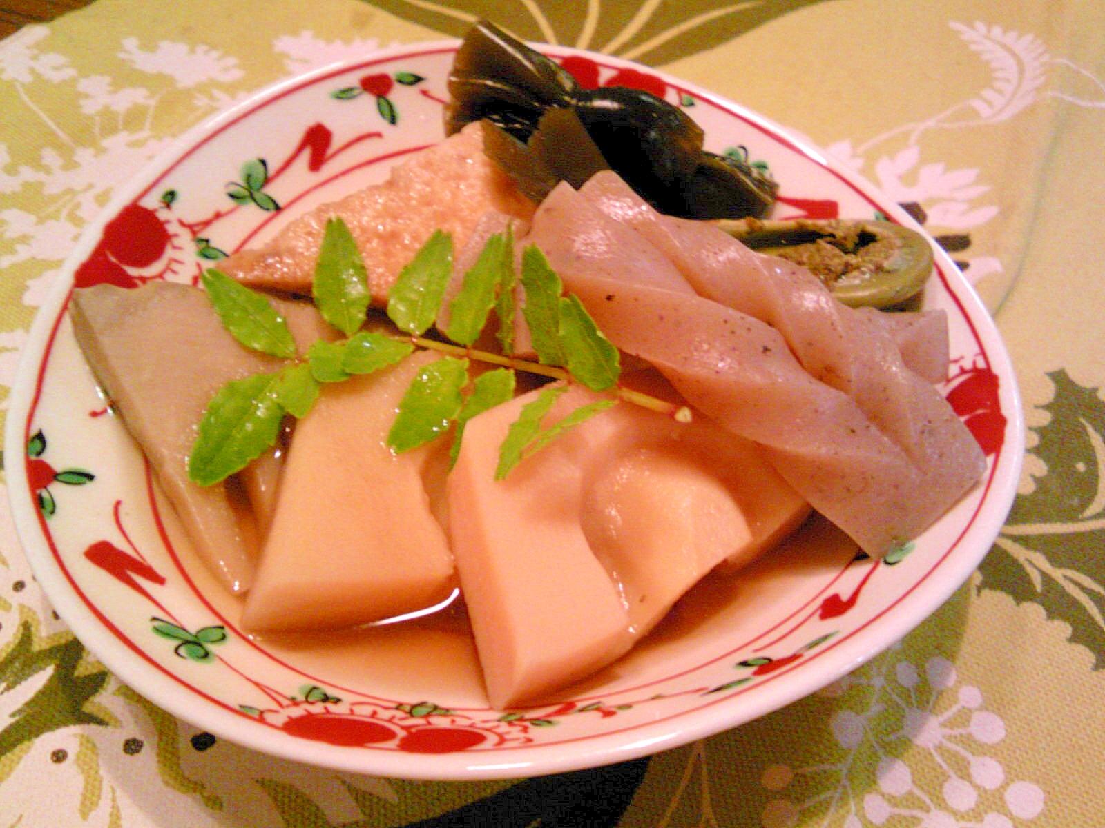 絹揚げ・筍・こんにゃく・昆布の煮物