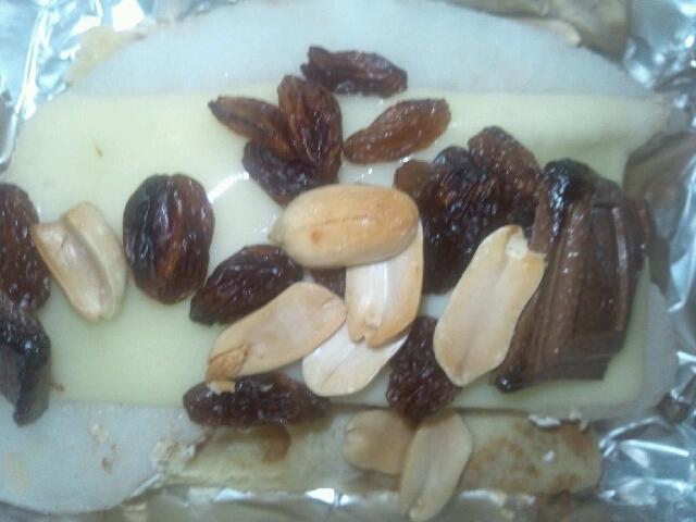 ワッフル(ミックスナッツ)+梨+チーズ