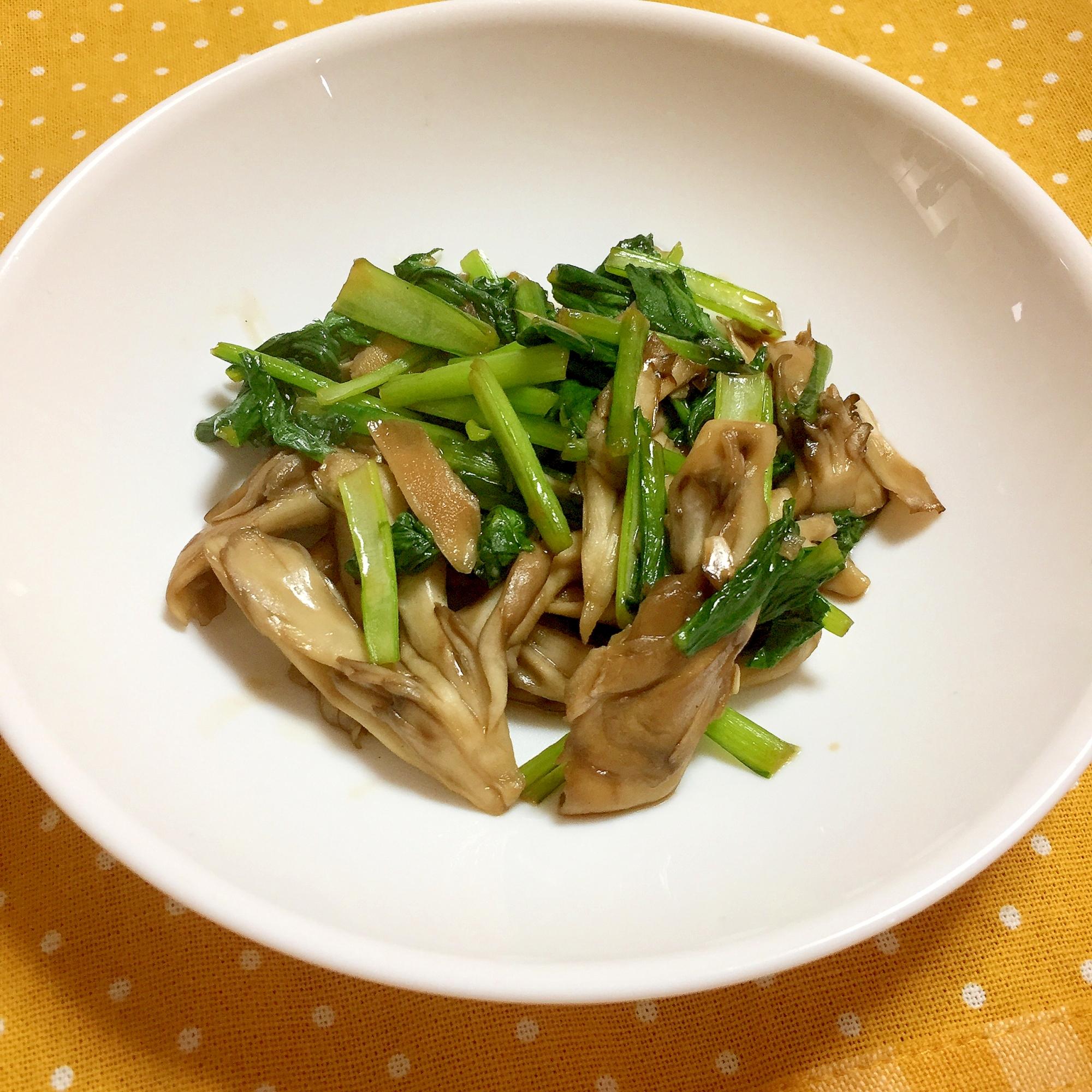 5分でできる!小松菜と舞茸のオイスターソース炒め♪ レシピ・作り方