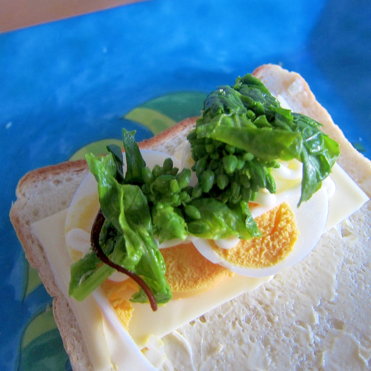 チーズと菜の花卵サンド