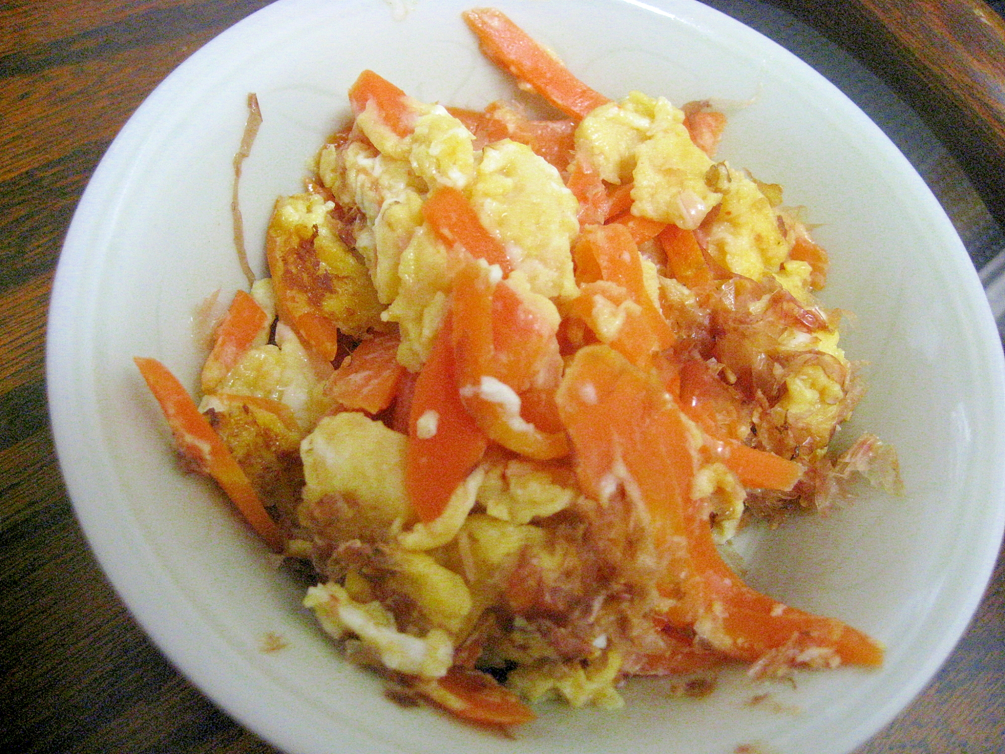 あと1品に!にんじんと卵の彩り簡単炒め