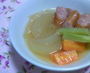 玉ねぎとウインナーの和風スープ煮(和風ポトフ)