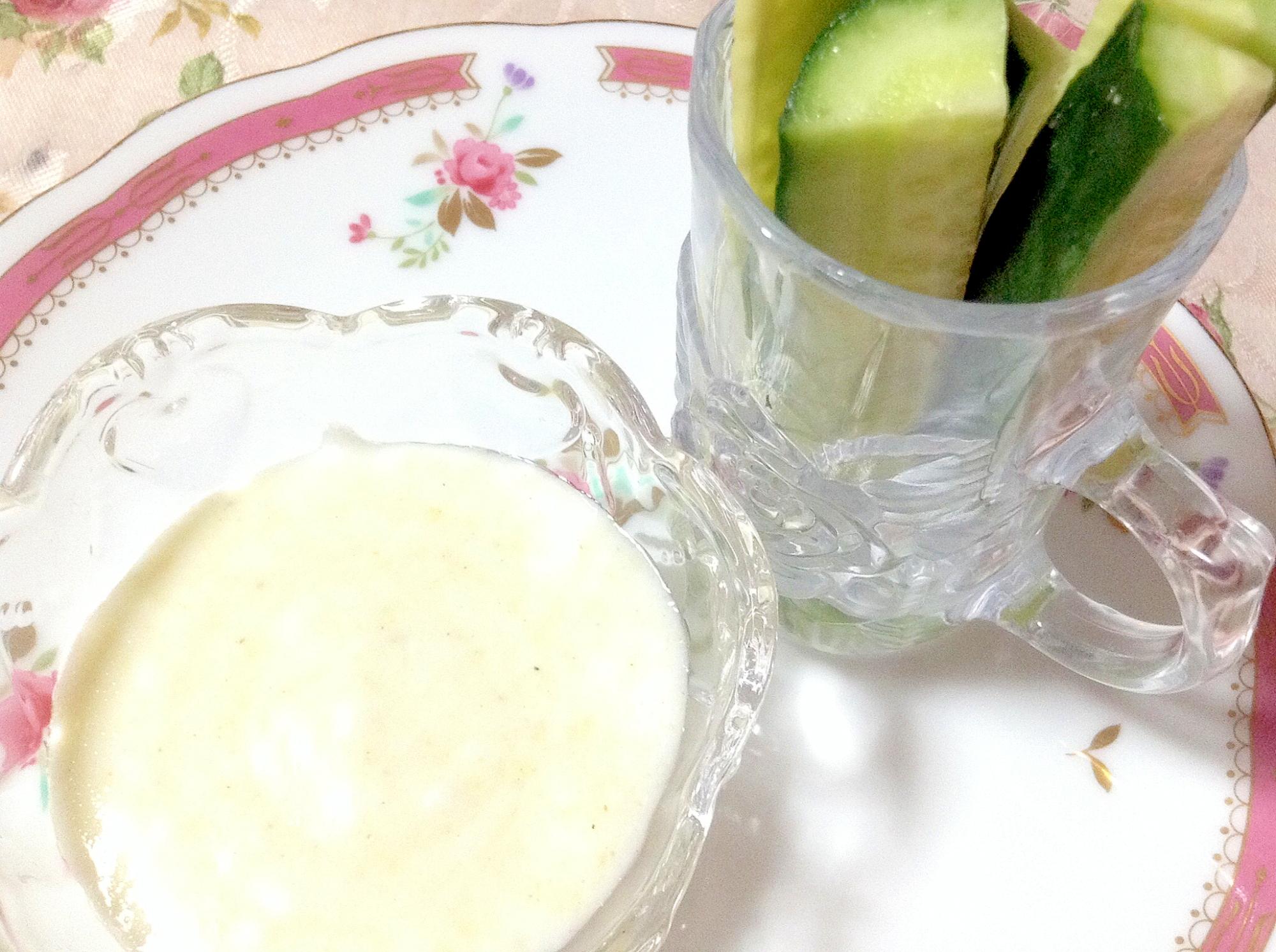 胡瓜のヨーグルトソースデッィプ