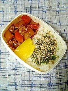 ☆赤味噌肉じゃが弁当☆