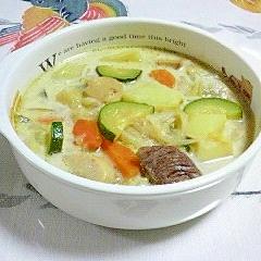 牛角切りと野菜ドッサリのスープ