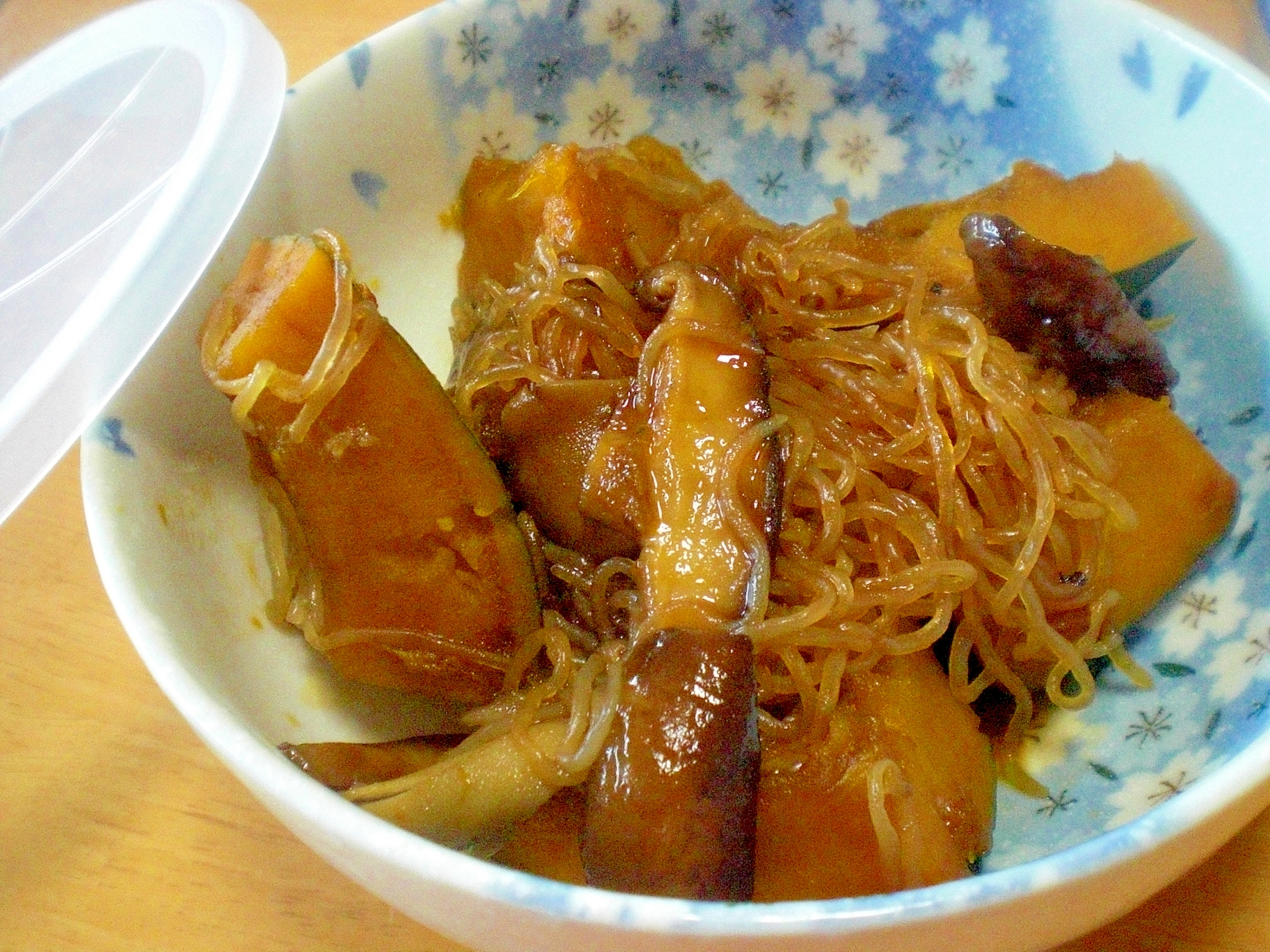 冷めても美味しい!「かぼちゃ。糸コン、椎茸の煮物」