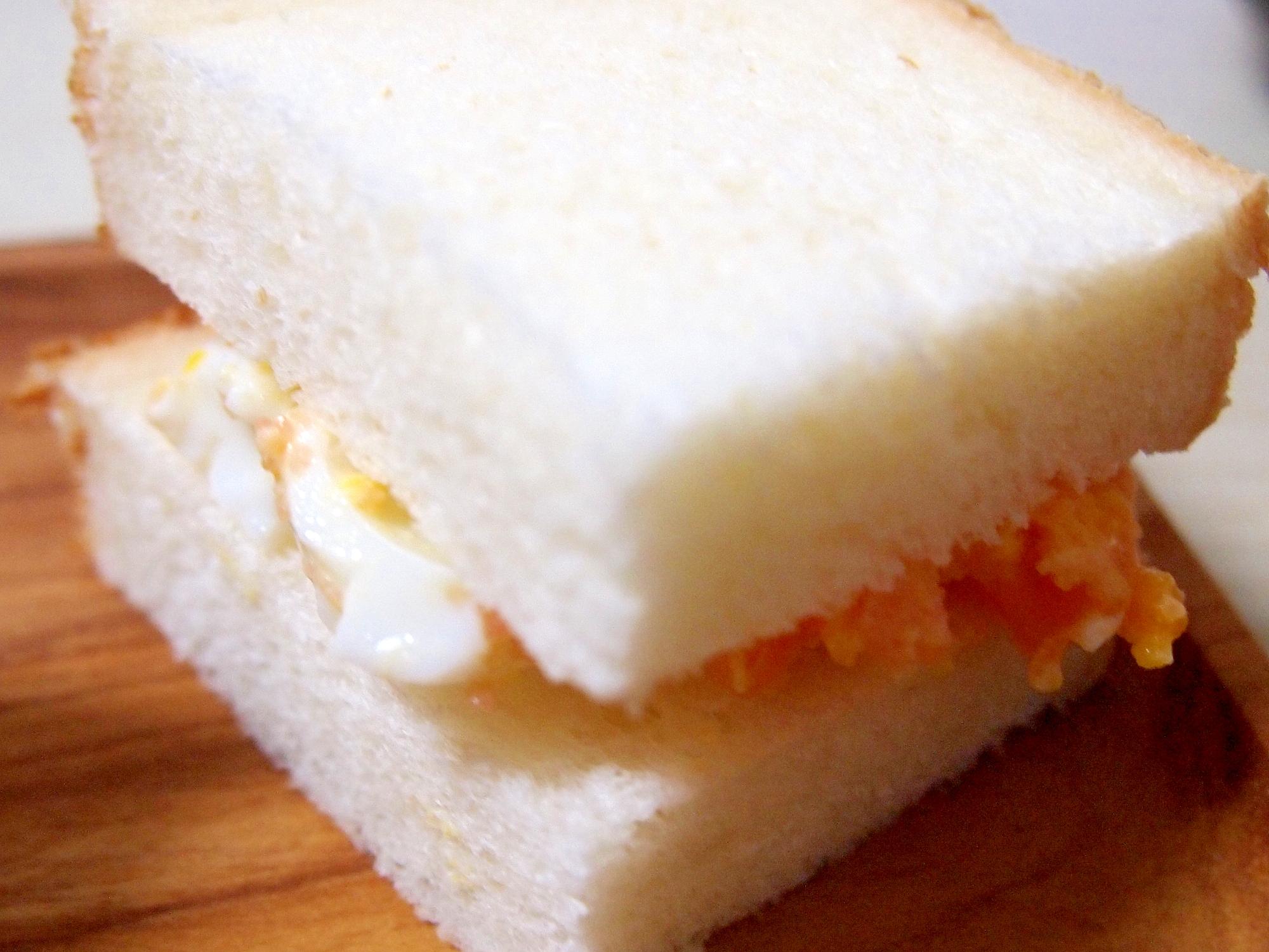 タラモ卵サンドイッチ