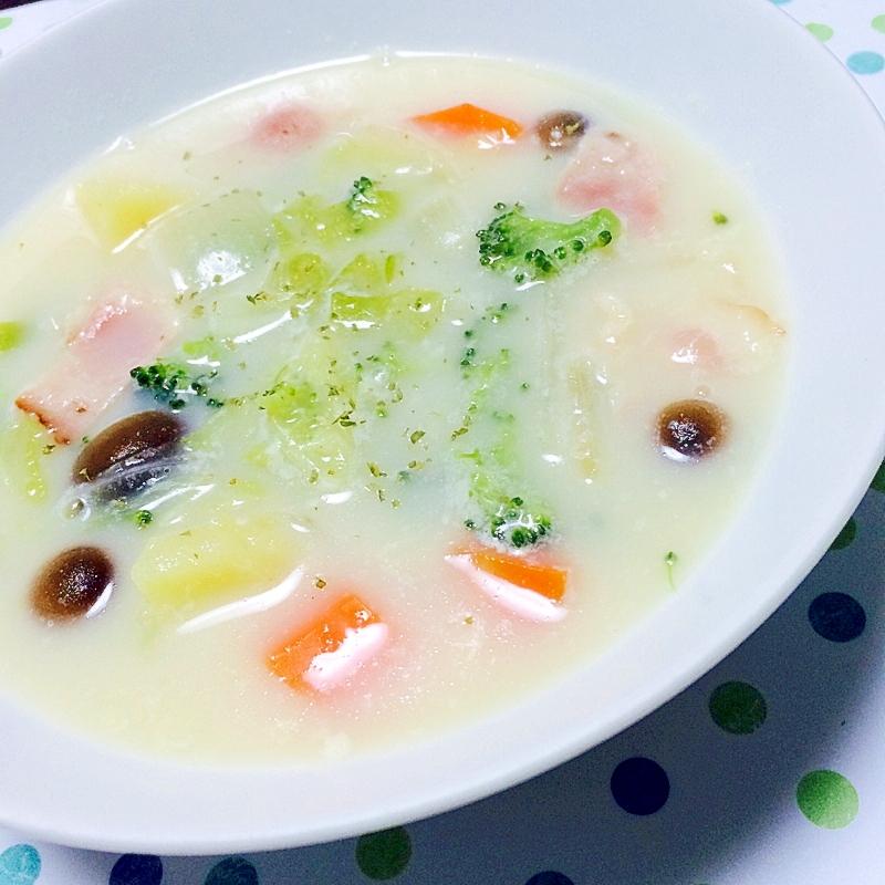 豆乳で暖かヘルシー具沢山スープ