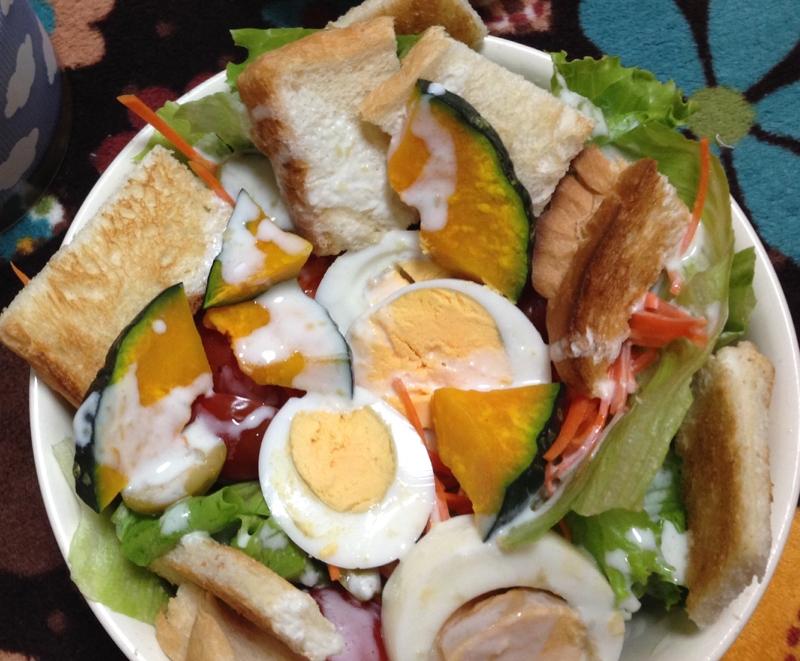 11. 野菜たっぷりトーストサラダ