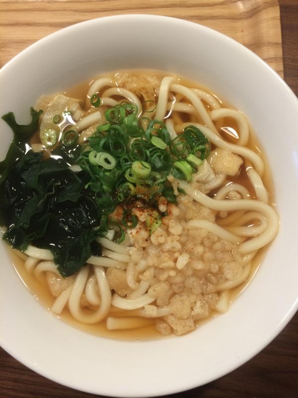 茅乃舎だしを使って☆シンプルわかめうどん レシピ・作り方 by ajisai624|楽天レシピ