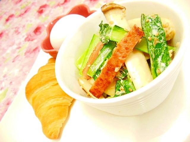 クロワッサンと小松菜エリンギスパムの1プレート