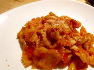 ファルファッレとキャベツのトマトソース