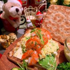 海老*アボカド*卵*チーズの北欧風サンド
