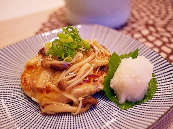 2. きのこあんかけの豆腐ハンバーグ
