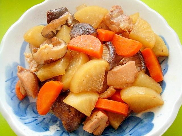 大根と干し椎茸鶏肉の煮物
