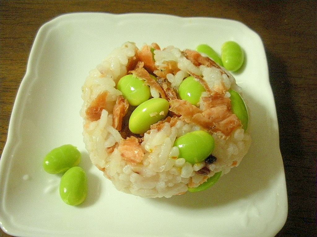 ☆鮭と枝豆の北海道おにぎり☆