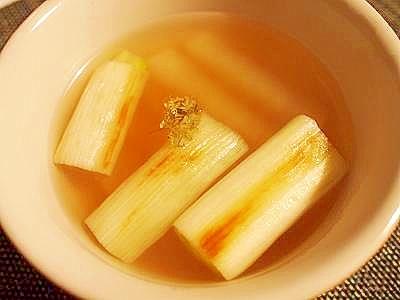 圧力鍋で大根と焼き白葱のコンソメスープ