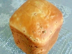 HBでベーコンオニオン入り食パン