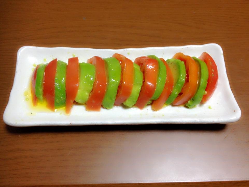 美肌レシピアボカドトマトの簡単サラダ