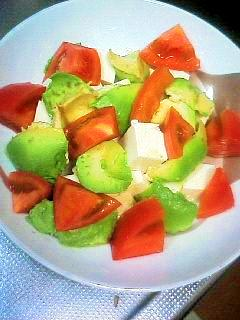 美肌とダイエットに♪アボカド豆腐サラダ♪
