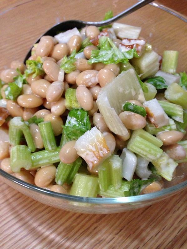 大豆とセロリの、サラダ