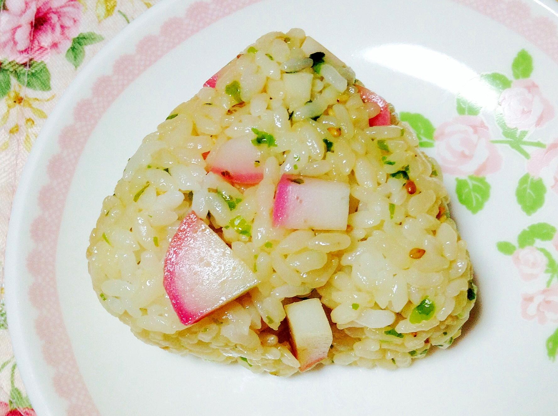蒲鉾青海苔胡麻麺つゆおにぎり
