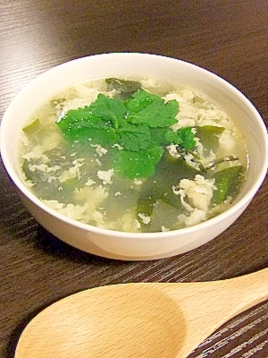 超簡単★ふんわり卵とワカメのスープ