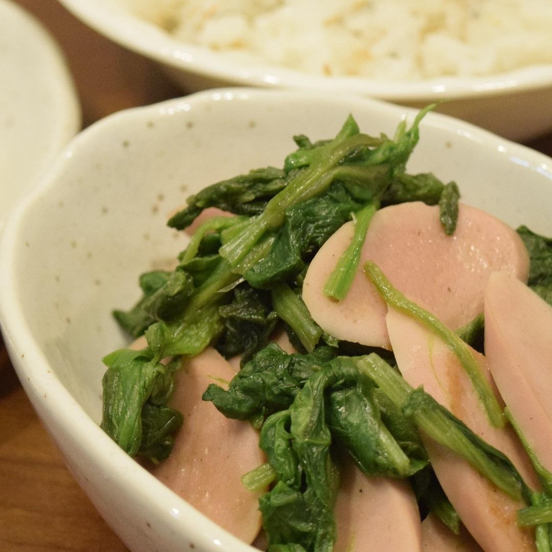 6. ほうれん草と魚肉ソーセージの和風ソテー