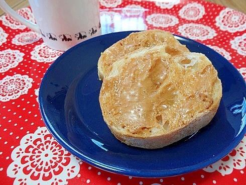 うちのおやつ「ハニーピーナッツパン」