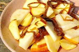 かぶとりんごのもずくサラダ