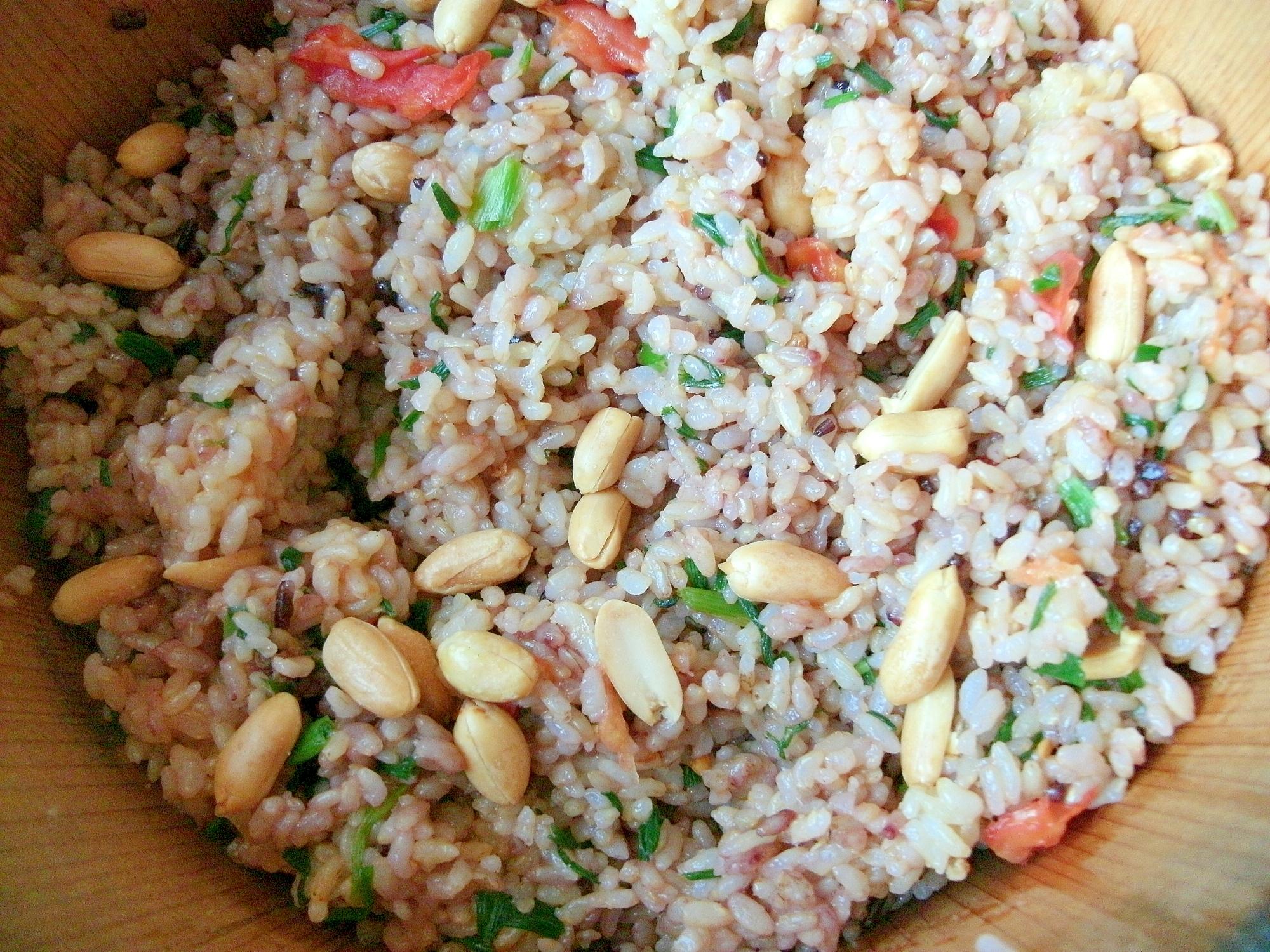 [お手伝いレシピ]ナッツ入り黒米入りのまぜごはん