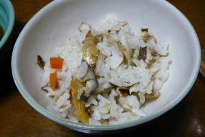 辛すぎる鯵の干物で炊き込みご飯