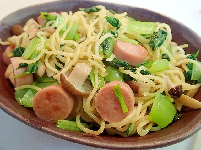 魚肉ソーセージと小松菜としめじの和風焼きそば