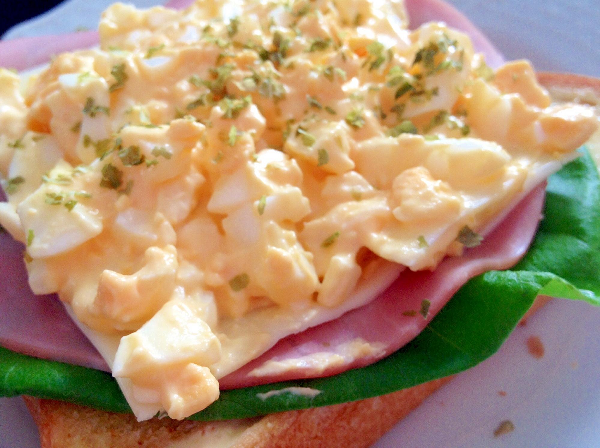 朝食に♪「卵ハムレタスのオープンサンドイッチ」