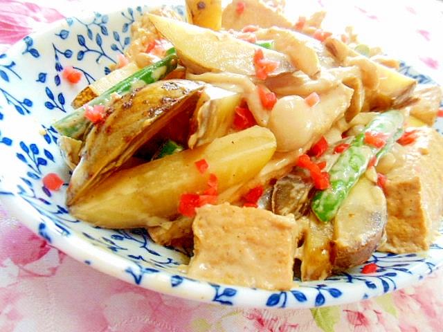 馬鈴薯と厚揚げとブナピーのオイマヨ炒め