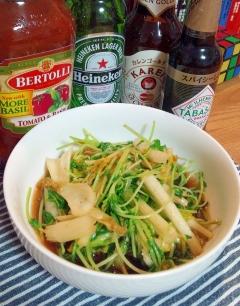 豆苗とセロリの葉っぱのオリーブオイル醤油炒め☆