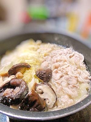 3点鍋★豚肉とキャベツと椎茸の豆乳鍋