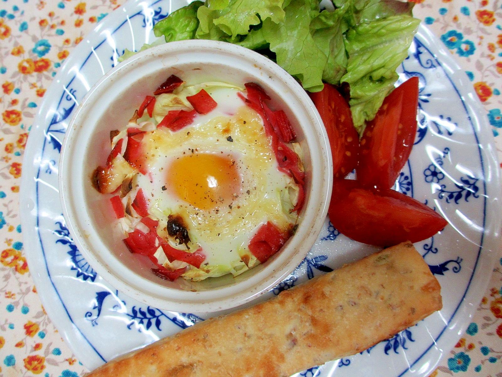 キャベツとハムの卵ココットの朝パンプレート