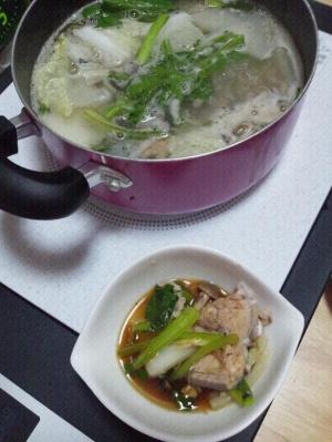 サバの水煮缶で鍋☆