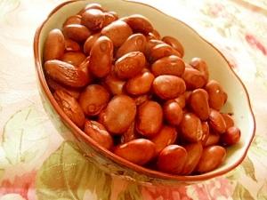 美肌にほんのり塩味・蒸し金時豆