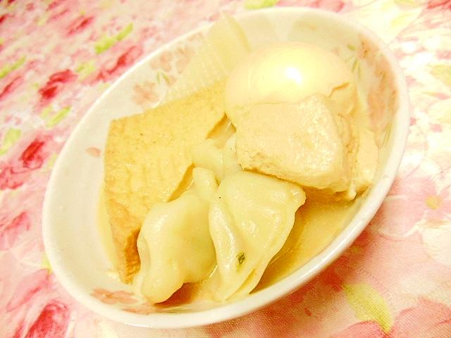 豆乳鍋の素de厚揚げと豆腐と白蒟蒻と卵と水餃子