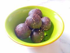 【美容おやつ】柚子とココアのデーツボール