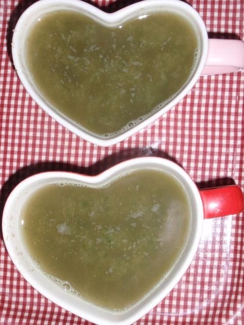 牛蒡と舞茸の中華風スープ