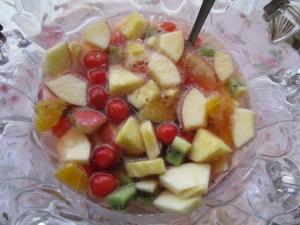アセロラソーダがはじける果物いっぱいの可愛い飲み物